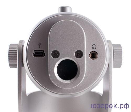 Разъемы для подключения кабеля USB и мониторных наушников
